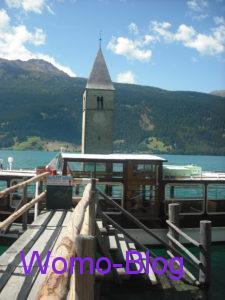 Kirchturm Reschensee, Bootsanlegestelle